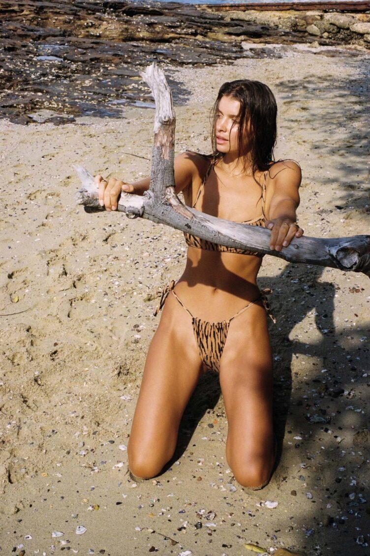 Kristina Mendonca in bikini by Jonny Seelenmeyer 009
