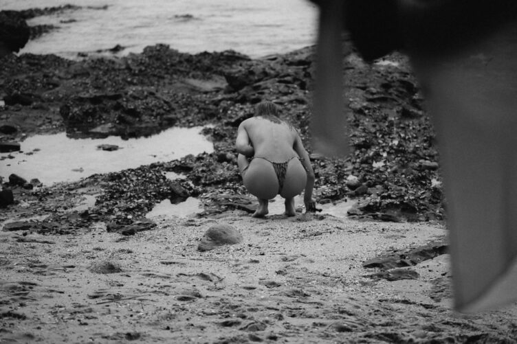 Kristina Mendonca in bikini by Jonny Seelenmeyer 011