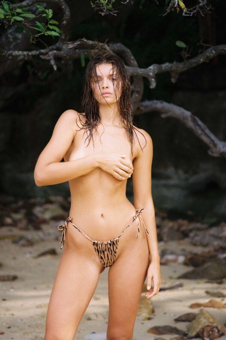 Kristina Mendonca in bikini by Jonny Seelenmeyer 020
