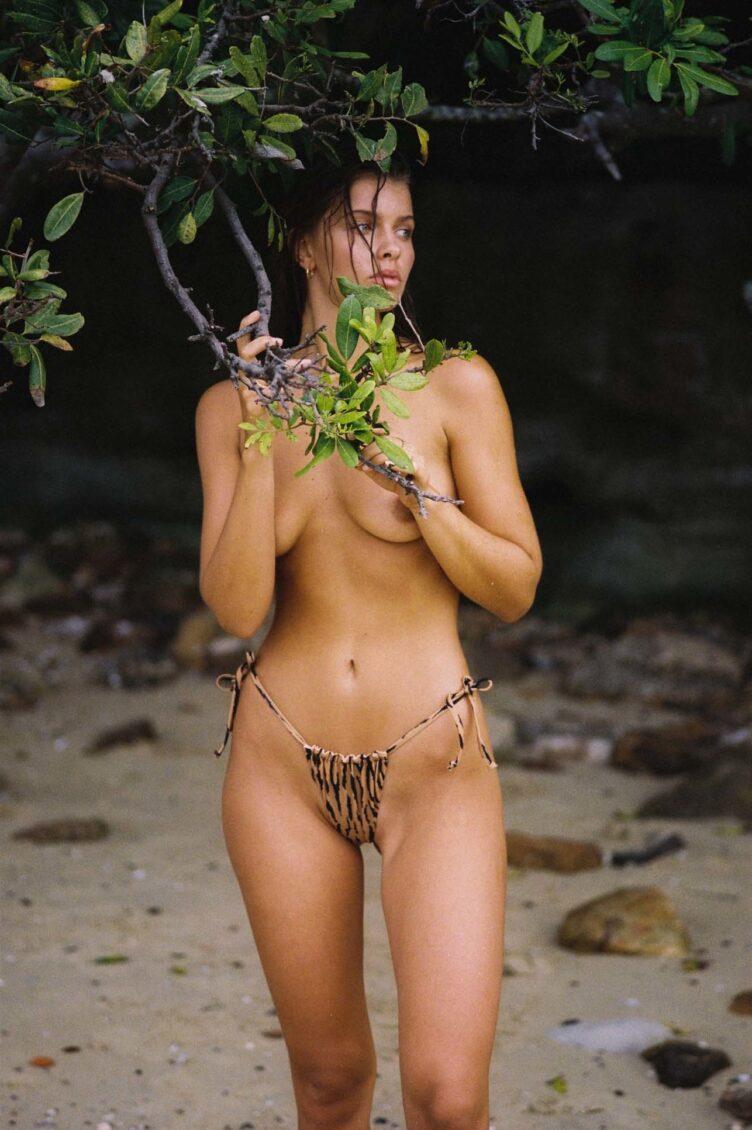 Kristina Mendonca in bikini by Jonny Seelenmeyer 022