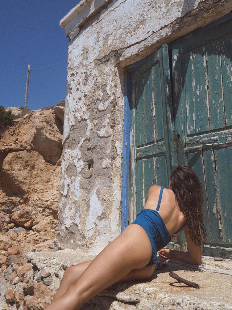 Under the Cycladic Sun – A self portrait series by Oriana Senia 002